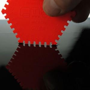 Plastic wet film combs